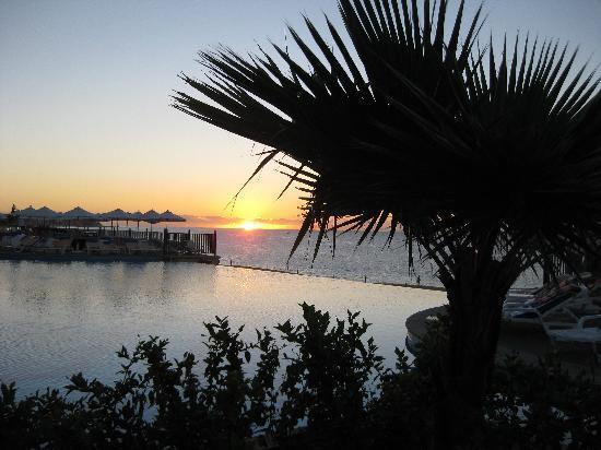 Hotel Riu Santa Fe: Beautiful Sunrises!!!