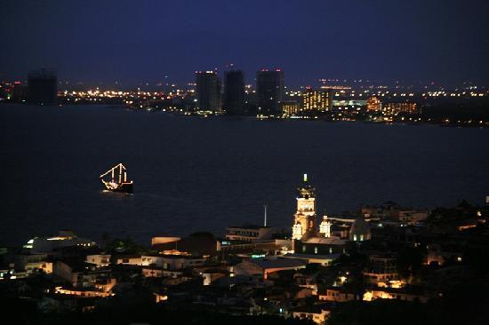 Casa de los Arcos: Magical  Views at night!