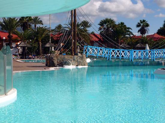 Caybeach Princess: The Pool