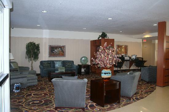 Best Western Plus Seabrook Suites: Lobby Area