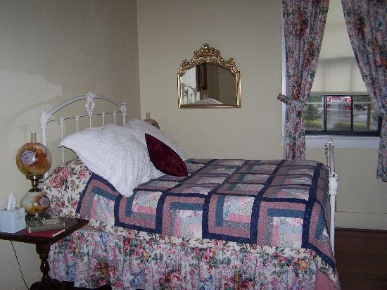 Wolf Creek Inn: Guest room