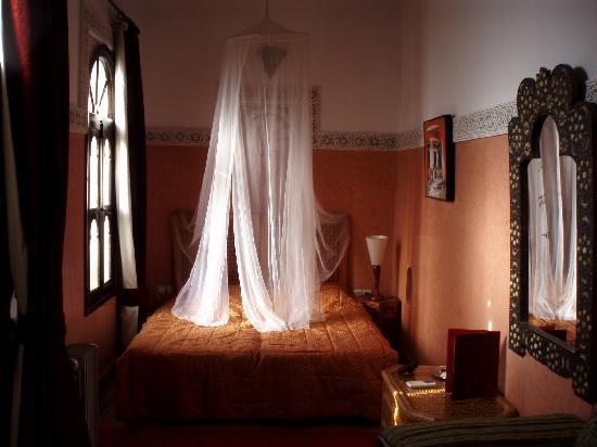 Riad Aguerzame: la chambre rouge