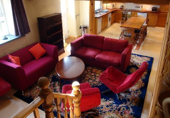 Asheston Eco Barns: Spacious and c omfortable living areas