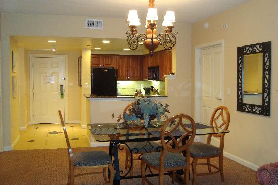 Hilton Grand Vacations at Tuscany Village: one bedroom, kitchen and livingroom