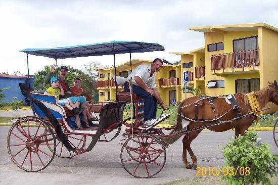 Hotel Club Amigo Atlantico Guardalavaca: tour de calèche 15CUC