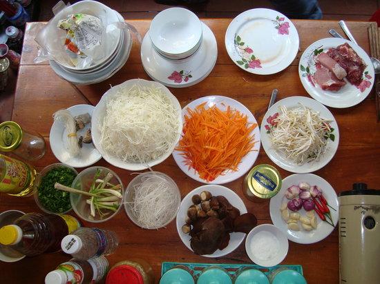 Kangaroo Hue - Day Tours: Delicious food