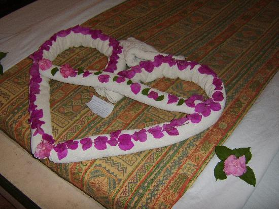 Amar Sina Village: Towel art