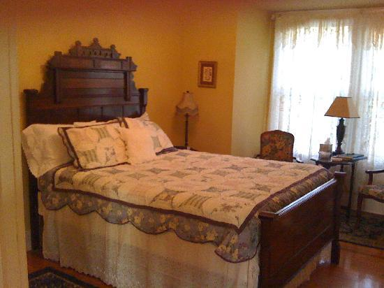 The Carriage House Bed and Breakfast: One of the guest rooms in the house