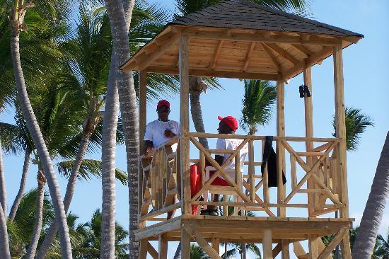 Luxury Bahia Principe Ambar: Lifeguards