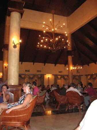 Grand Palladium Punta Cana Resort & Spa: Heminway's bar