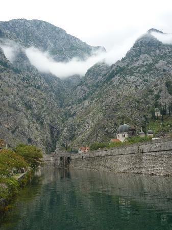 Dobrota, Montenegro: The walk between the hotel and Old Town Kotor