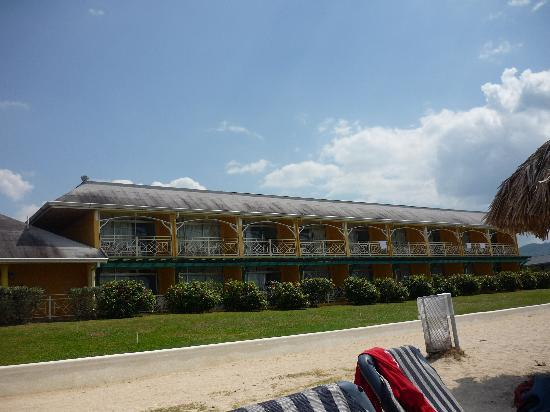 Sunscape Splash Montego Bay: The east wing beachfront