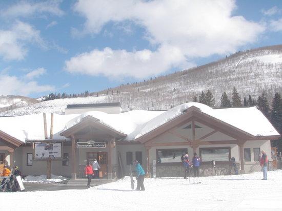 Powderhorn Lodge : Ski Training Center at the Moonbeam Lodge