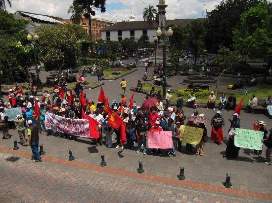 Quito Old Town: Plaza de Independencia Protest