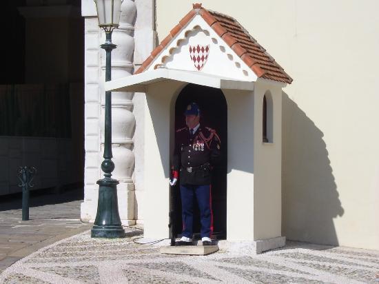 Prince's Palace: guardia