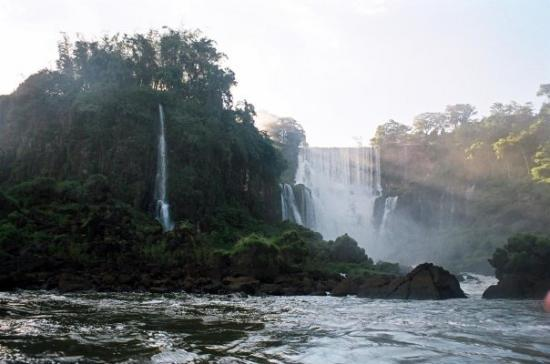 Puerto Iguazu, Argentina: We did a cruise up the Iguassu River