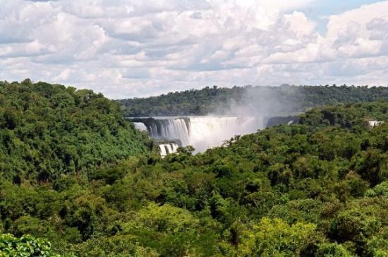 Puerto Iguazu, Argentina: An add on to the crusie was a trip to Icuassu Falls - the view from our hotel room!