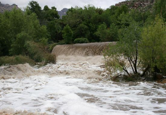 Tucson, AZ: WILD FLASH FLOODS...you never know when they are coming...just expect something big after you se
