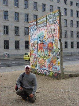 Berlinmuren Minnesmerke: Berlin Wall souvenir