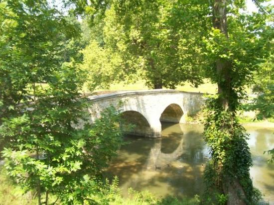 Antietam National Battlefield: Looking down on Burnside Bridge from the Confederate position on the ridge.