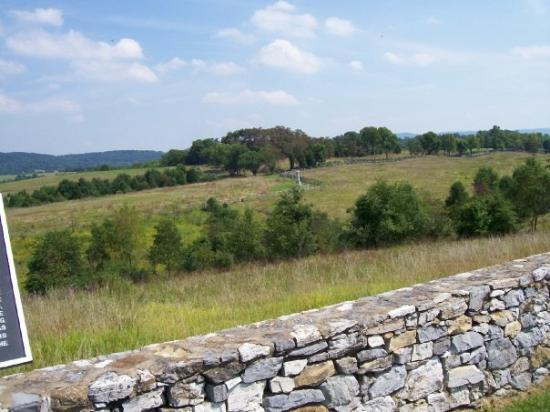 Antietam National Battlefield: Further up the hilly terrain, facing south-east to where one of Burnside's regiments would have