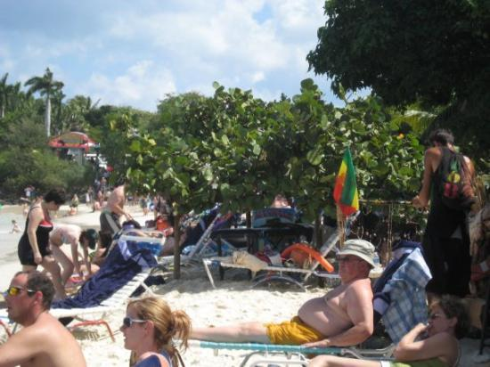 ST. THOMAS: Coki Beach, massage hideout