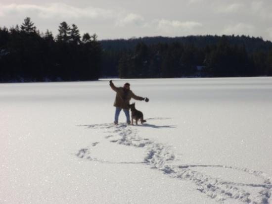 Algonquin Provincial Park, Canada: Paula and Maddie in the middle of Cache Lake