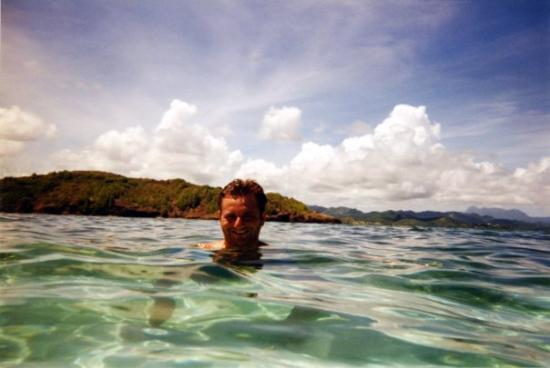 Sainte-Anne, Martinique: Martinique,baignade dans les piscines naturelles de fonds blancs.