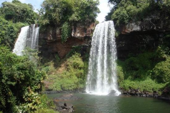Cataratas del Iguazú: Salto Hermanos (Brother Falls)