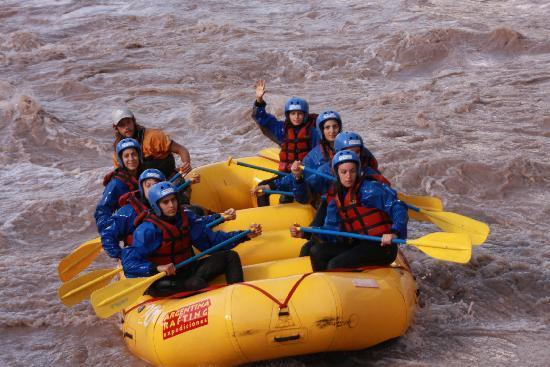 Argentina Rafting Expeditions: Rafting over Mendoza's river
