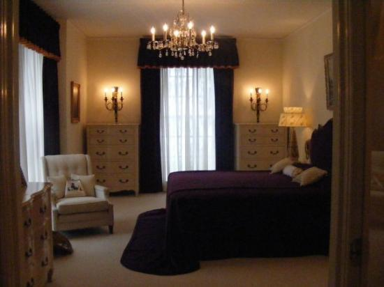 Memphis, TN: VERNON N GLADYS ROOM IN THE MANSION
