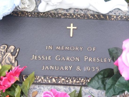 Memphis, TN: IN MEMORY OF JESSIE GARON PRESLEY BORN JAN. 8 1935 ELVIS'S TWIN BROTHER WAS STILLBORN