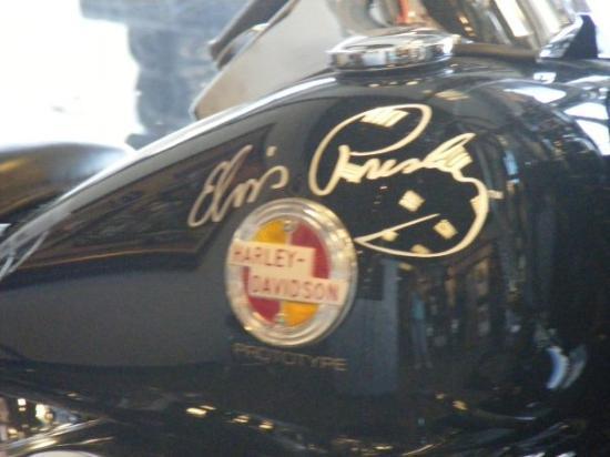 Memphis, TN: Elvis Presley