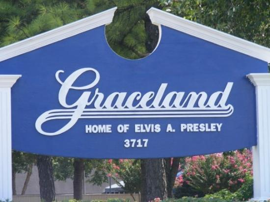 Memphis, TN: Graceland Sign