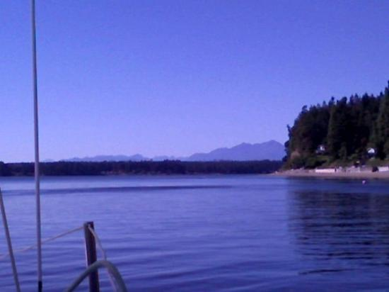 Vaughn, WA: Olympic mountains from sailboat