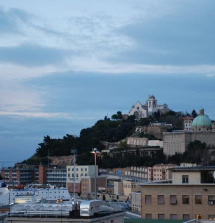 Ancona, Italien: view inluding duomo