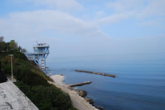 Ancona, Italia: lascensore club