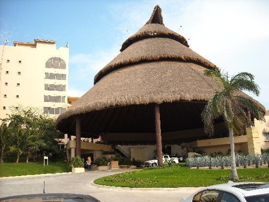 Fiesta Americana Condesa Cancun All Inclusive: front view