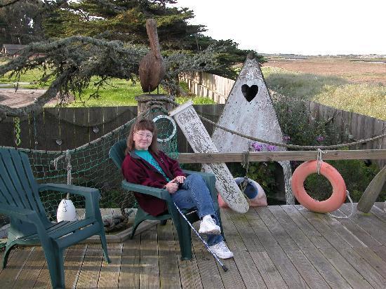Captain's Inn at Moss Landing: Enjoying the Deck