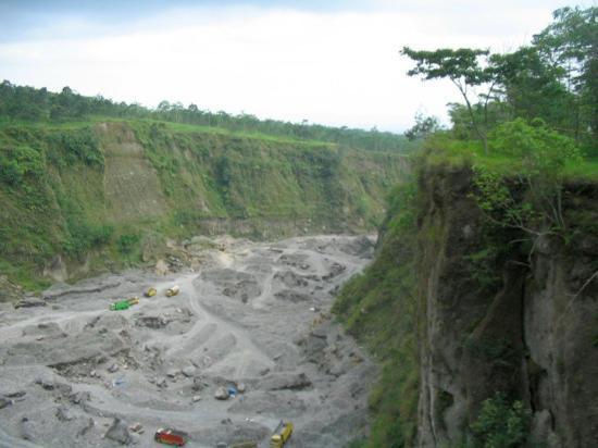 Merapi Volcano: Lahar from Gunung Merapi near Kaliurang, October 2009