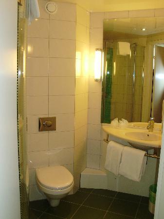 Hotel Ibis Moscow Paveletskaya: Bathroom