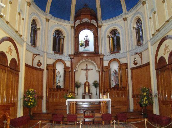 بويرتو فاراس, شيلي: interior de la iglesia de Puerto de Varas