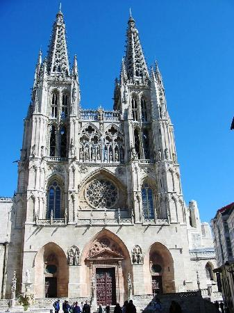 Burgos, Spania: Fachada de la Catedral de la Plaza de Santa María