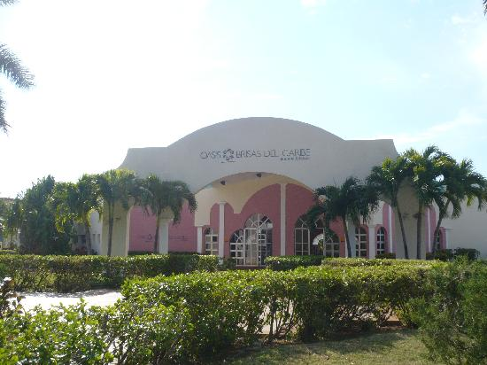 Brisas del Caribe Hotel: south family section entrance