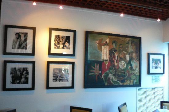Bar Restaurante La Cueva: Artwork in main dining room
