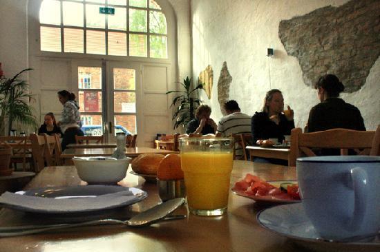 Jellyfish Hostel: Der geräumige Frühstücksraum