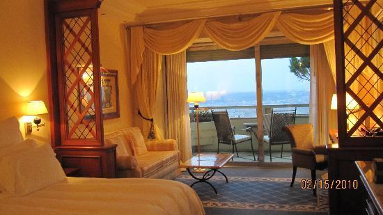 Rome Cavalieri, A Waldorf Astoria Resort: The room!