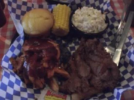 Famous Dave's: Another lunch combo