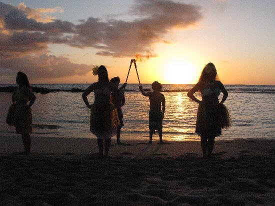 Paradise Cove Luau: Great way to catch a sunser