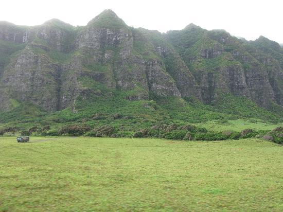 Kualoa: Yeah, that's a bus in the picture!